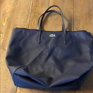 Medium size carry tote